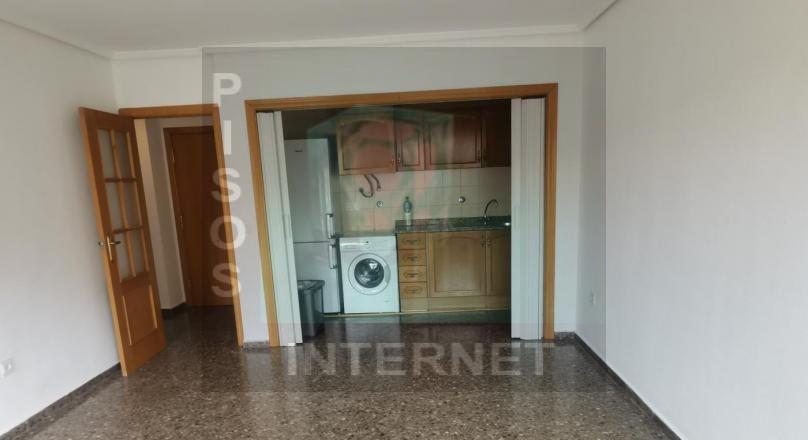 Piso dos dormitorios en la zona de Mestalla